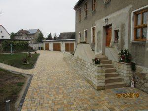 Treppenanlage und Hofgestaltung